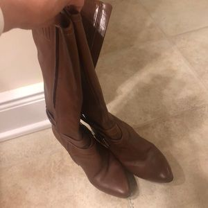 Cute boots in awesome condition!